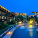 Holiday Inn Dalian Hot Spring, an IHG Hotel