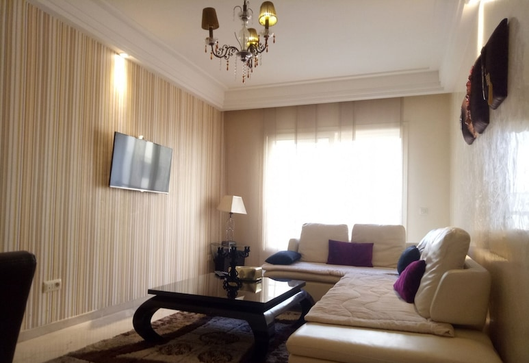 Apartment With Terrace, Касабланка, Апартаменты, 2 спальни, для курящих, Зона гостиной