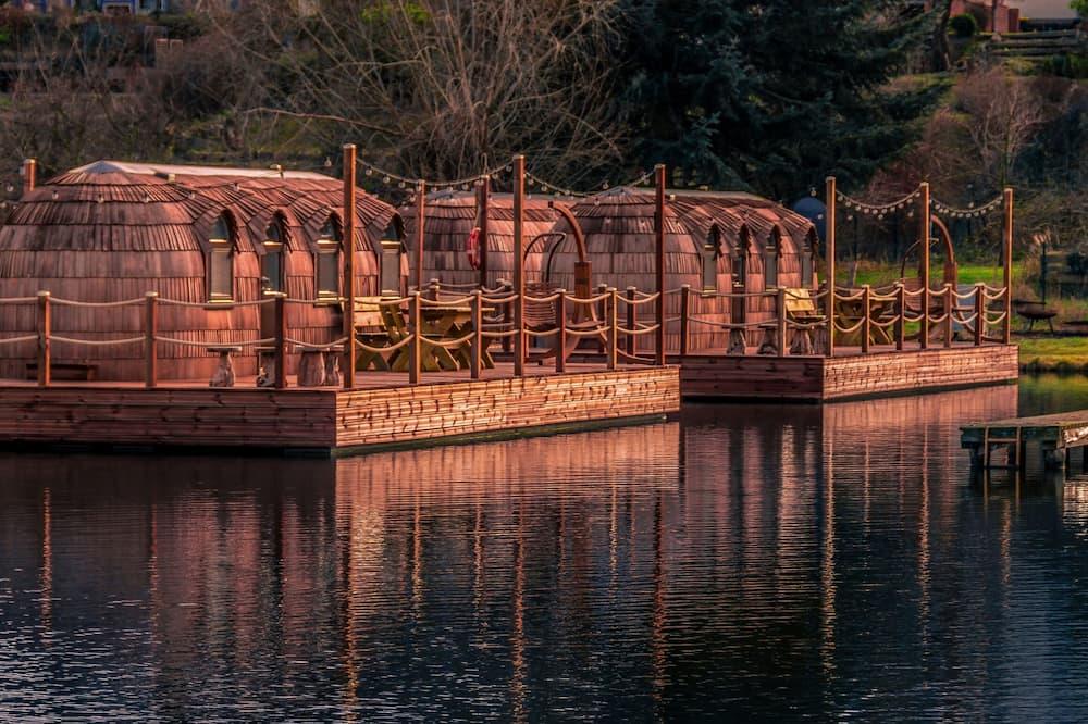 Trobelė su patogumais (Iglu Romantik) - Vaizdas į ežerą