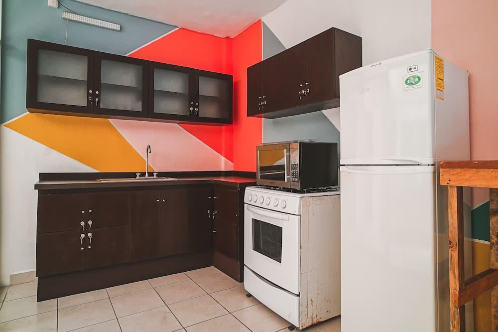 Standard Room, 2 Katil Bujang (Single) - Dapur berkongsi
