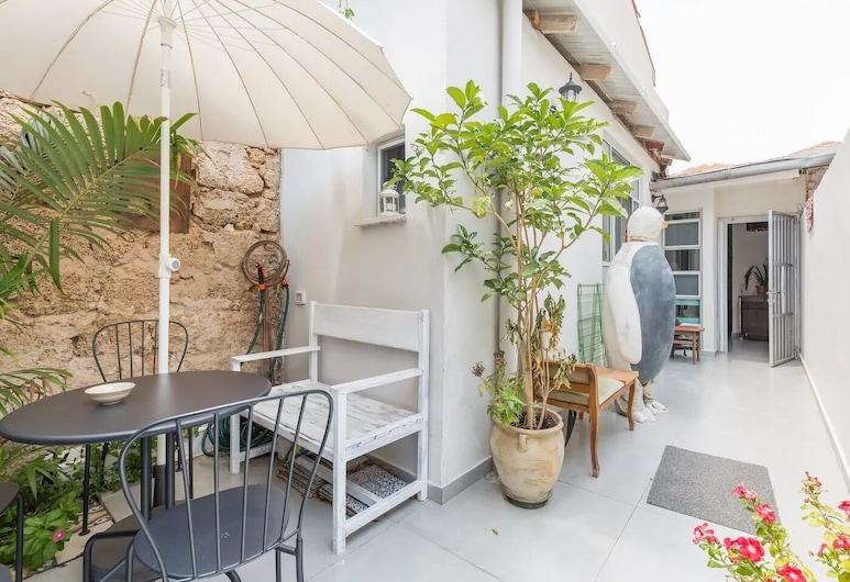 Home of Art in Neve-Tzedek Heart, Tel Aviv