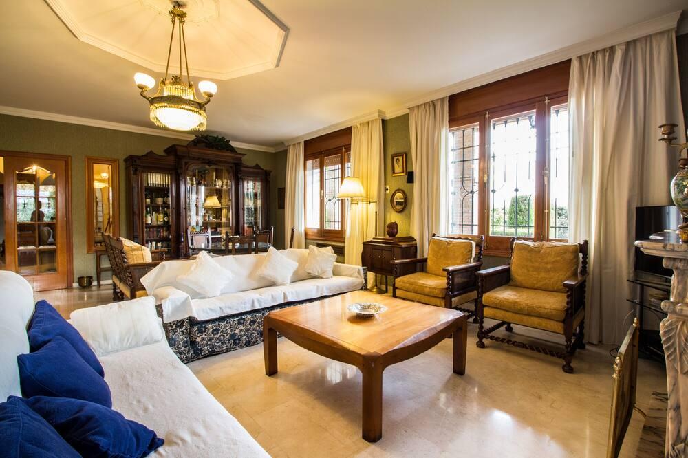 Casa, 6 Quartos, Piscina Privativa, Vista Jardim - Sala de Estar