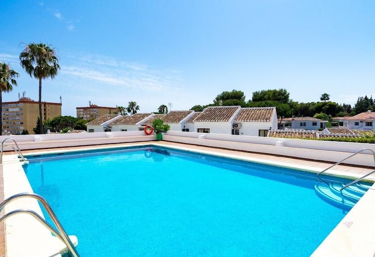 Lovely apartment 500m to the sea, Mijas, Útilaug