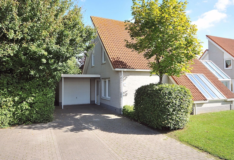 Detached Villa With Microwave, 1 km. From the sea and Beach, Scharendijke