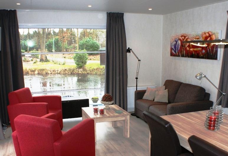 Modern Chalet With two Terraces and Near a Pond, De Bult, Chalé, Sala de Estar