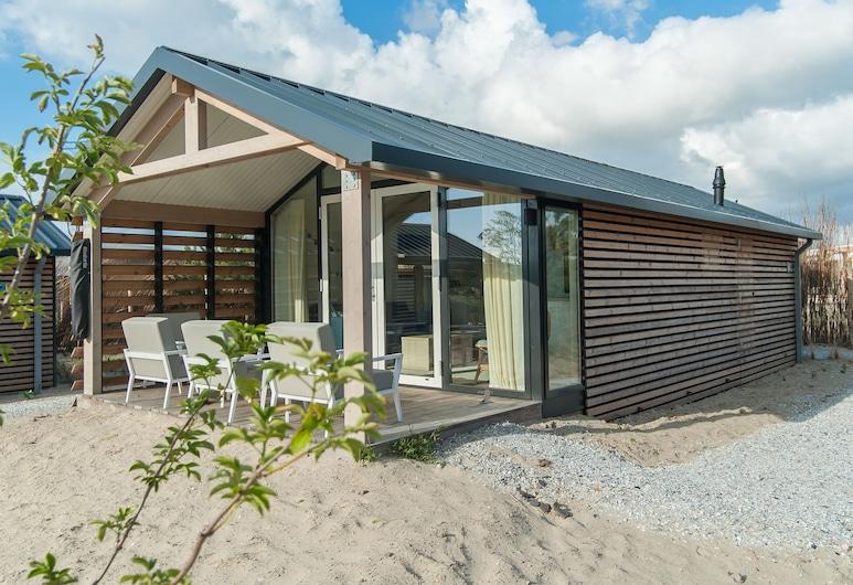 Comfortable Lodge With Hammock, Near the Beach, Hollum