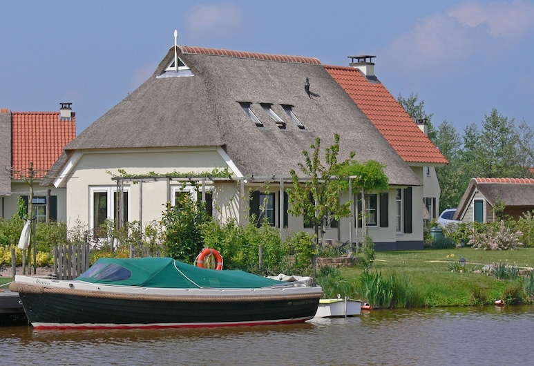 Country House With a Terrace Near the Langweerder Wielen, Sint Nicolaasga