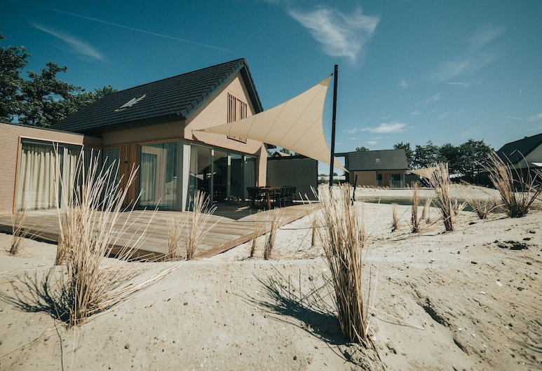 Luxurious Home With a Beautiful Outdoor Space Near the Beach, Ouddorp, Exterior