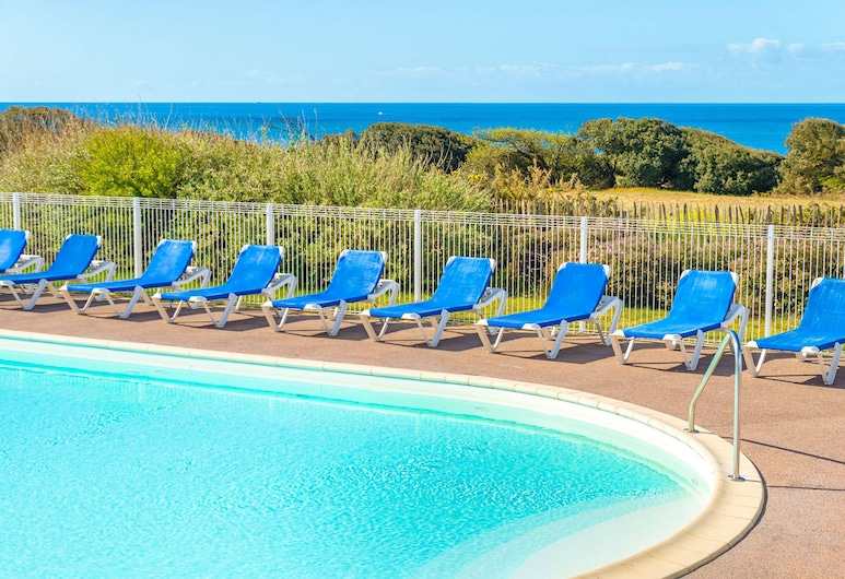 Vibrant Appartment With a Dishwasher and Wonderful sea View, Les Sables-d'Olonne, Pool