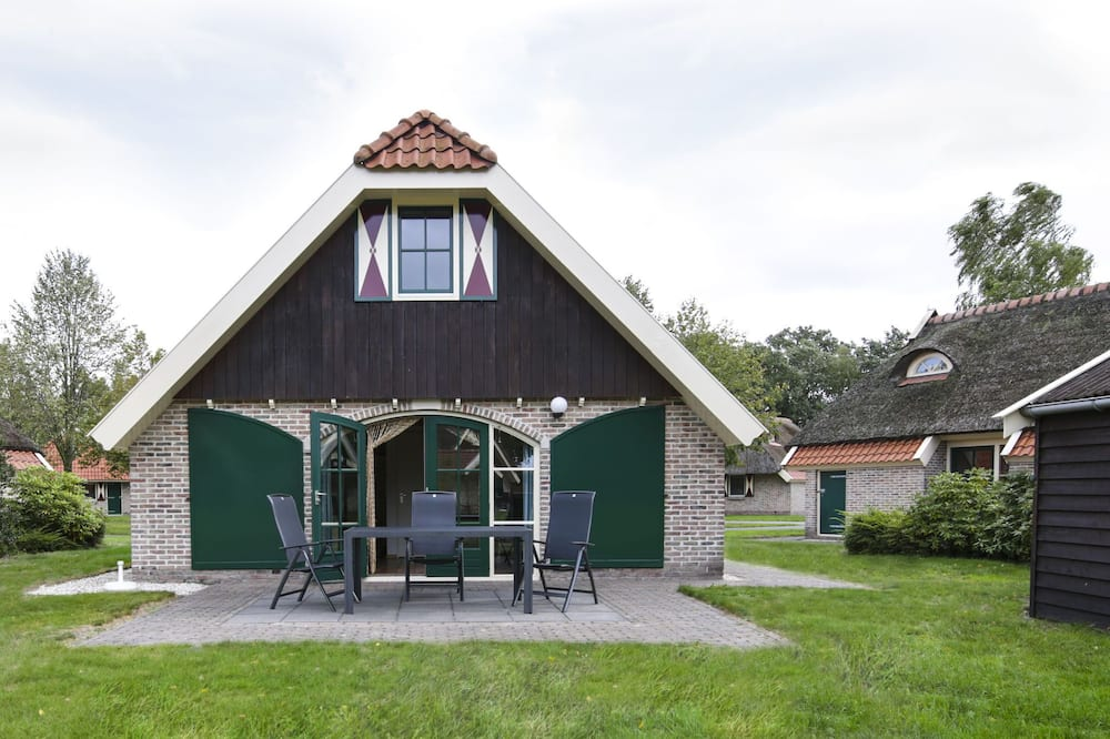 Authentic House With a Dishwasher, Near Meppel