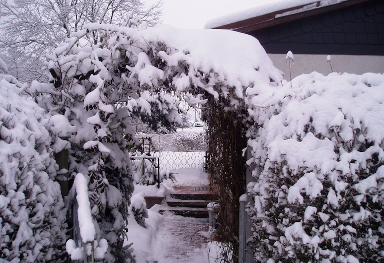 Cozy Holiday Home in Hasselfelde With Private Terrace, Oberharz am Brocken, Ogród