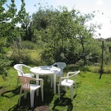 Peaceful Apartment in Brusow With Garden, Terrace, Barbecue