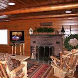 Cabin, 3 Bedrooms - Living Room
