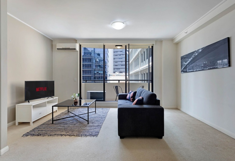 STAY&CO Serviced Apartments North Sydney Napier, North Sydney, Deluxe Apartment, 1 Bedroom, Living Room
