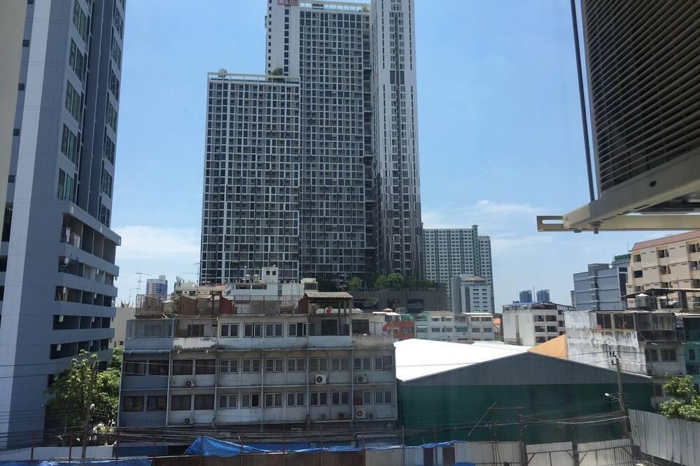 Studio - City View