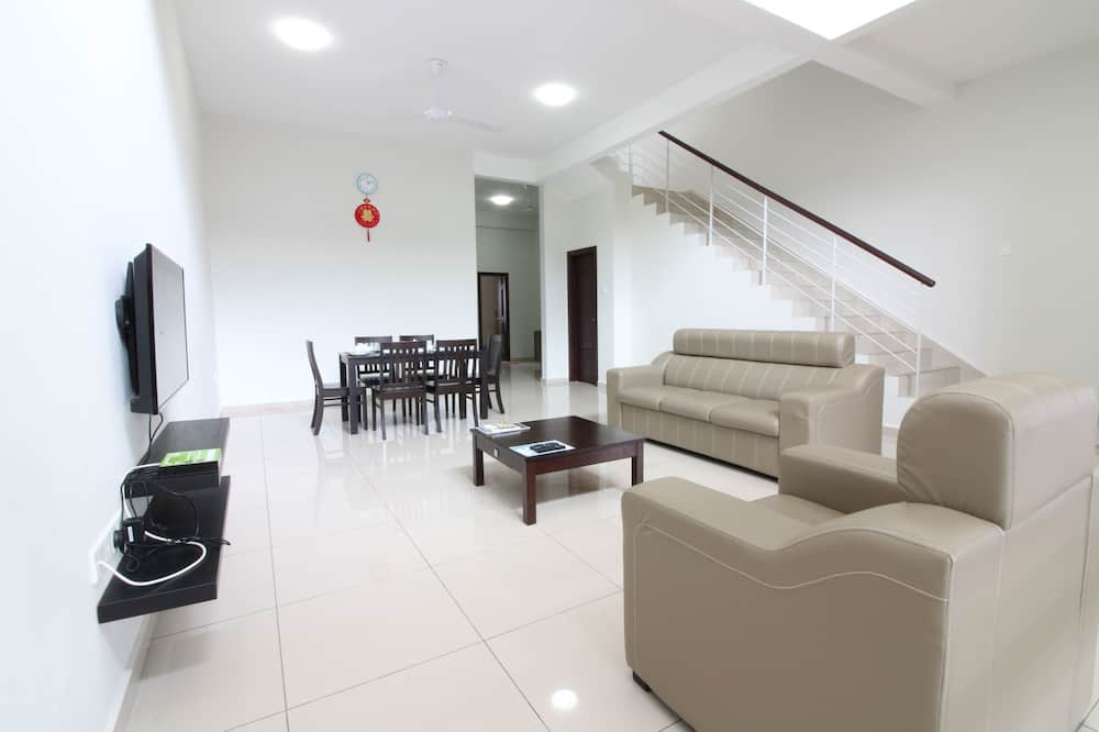 Māja, sešas guļamistabas - Dzīvojamā zona