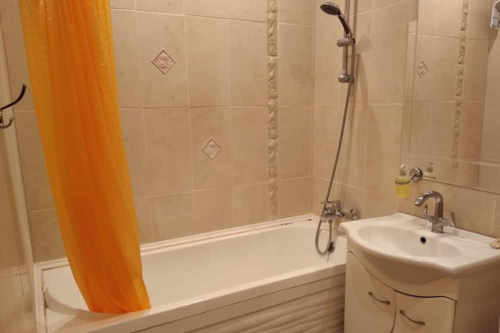 Standard Double Room - Deep Soaking Bathtub