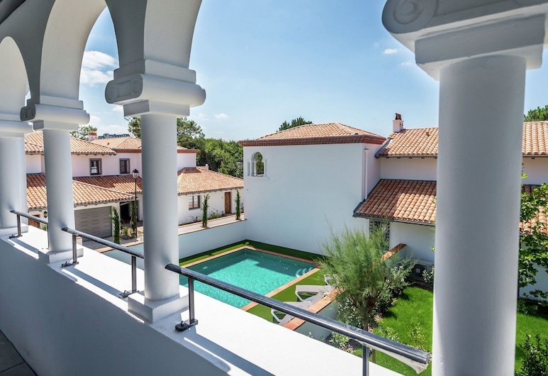 Beautiful Villa With Terrace in the Surfing Town of Biarritz, Biarritz, Kolam