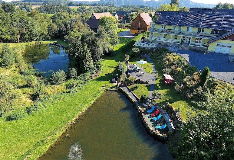Picturesque Apartment in Lichtenhain With Pond, Sebnitz, Aed