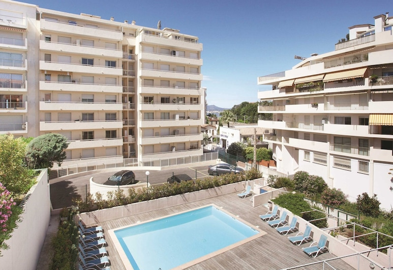 Neat Apartment With air Conditioning in the Heart of Cannes, Cannes, Zwembad