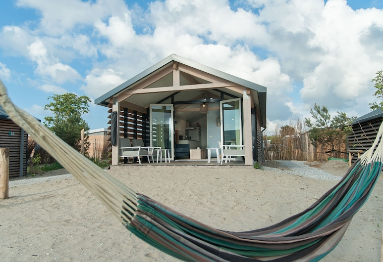 Beautiful Lodge With Hammock, Near the Beach, Hollum