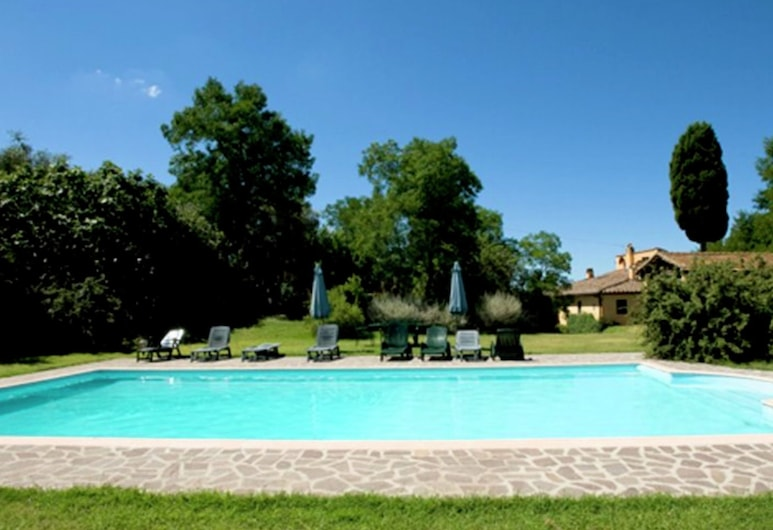 Workers' Land on Estate With Pool Near Pisa and Florence, Peccioli, Exterior