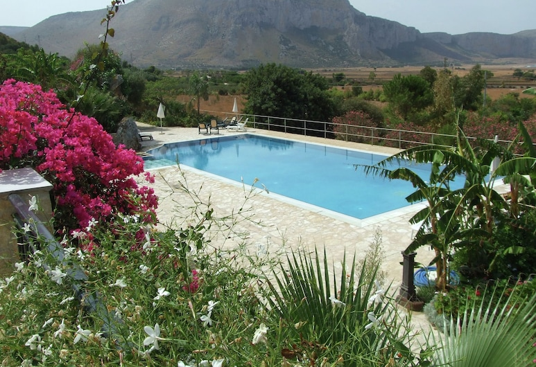 Cozy Apartment With air Conditioning Only 600 m From the sea, San Vito Lo Capo, Pool