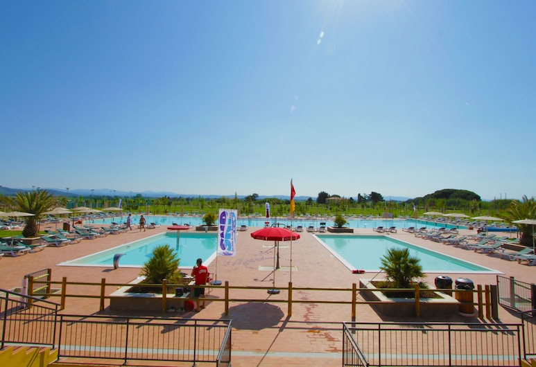 Stylish Apartment With AC and Terrace Near the Tuscan Coast, Пйомбіно