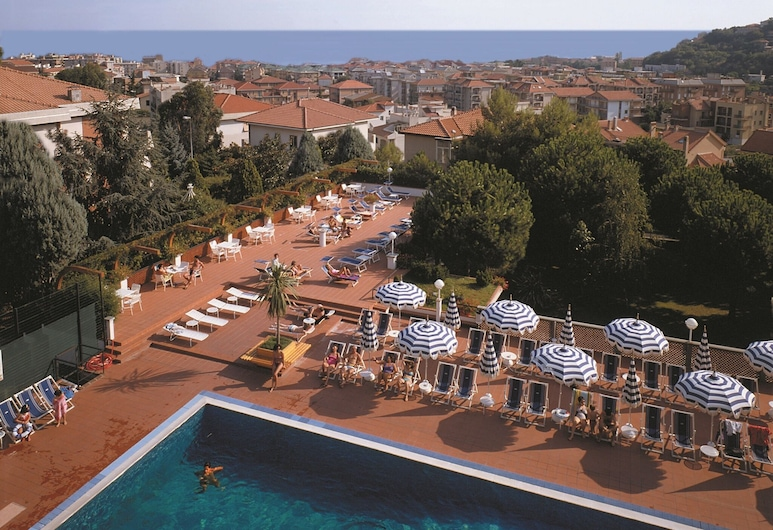 Well-kept Apartment With Terrace or Balcony in Pietra Ligure, Pietra Ligure, Pool
