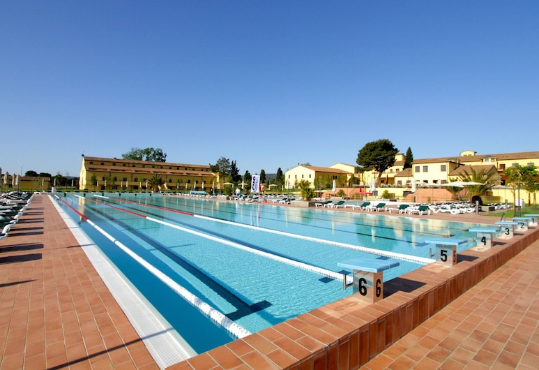 Stylish Studio With air Conditioning Near the Tuscan Coast, Piombino, Pool
