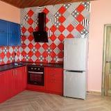 شقة - غرفتا نوم - مطبخ مشترك