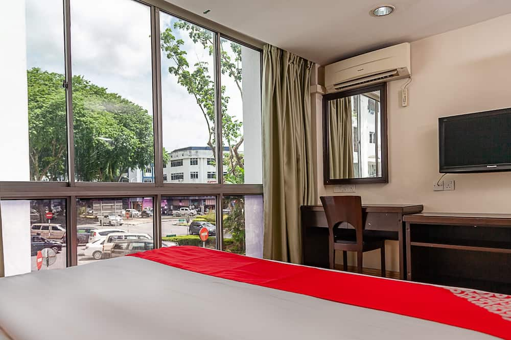 Deluxe Double Room, 1 King Bed - Guest Room