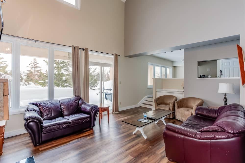 Comfort Condo, 4 Bedrooms (110 Wintergreen (70031)) - Ruang Tamu