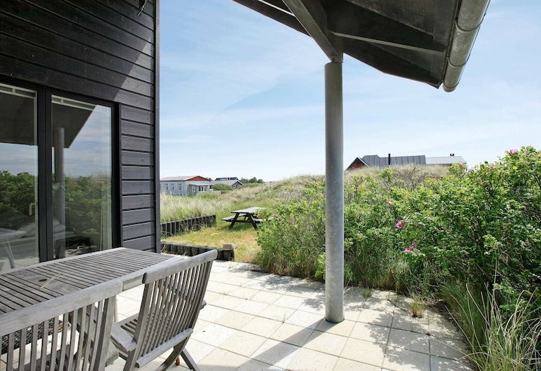 Modern Holiday Home in Romo Denmark With Terrace, Romo