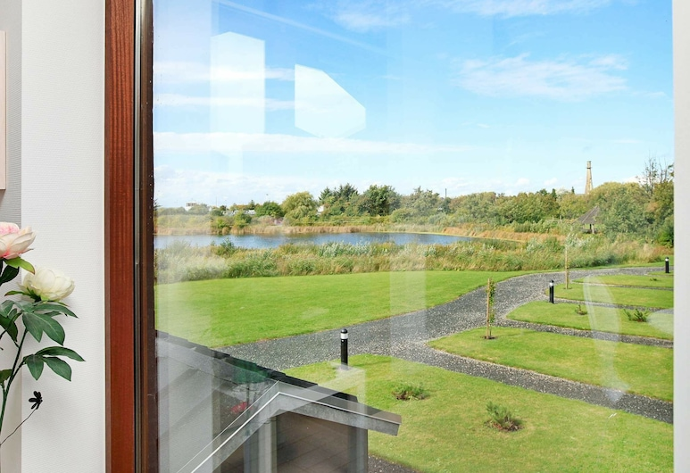 Spacious Holiday Home in Bogense With Whirlpool, Bogense, Room