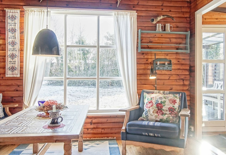 Attractive Holiday Home in Bornholm Denmark With Terrace, Nexo, Wohnzimmer
