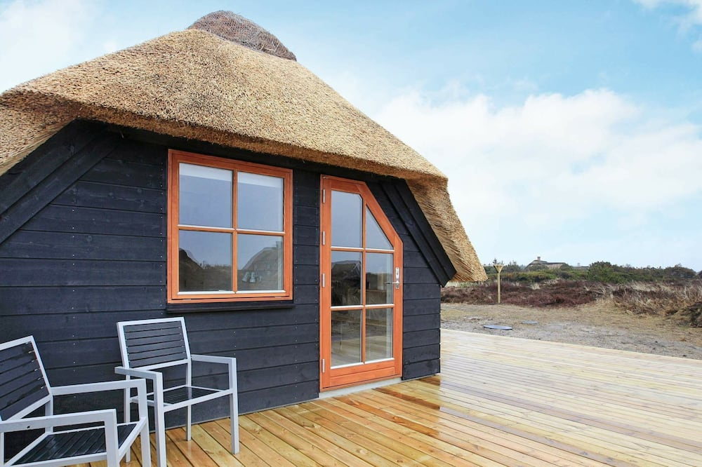 Vintage Holiday Home in Blåvand With Whirlpool