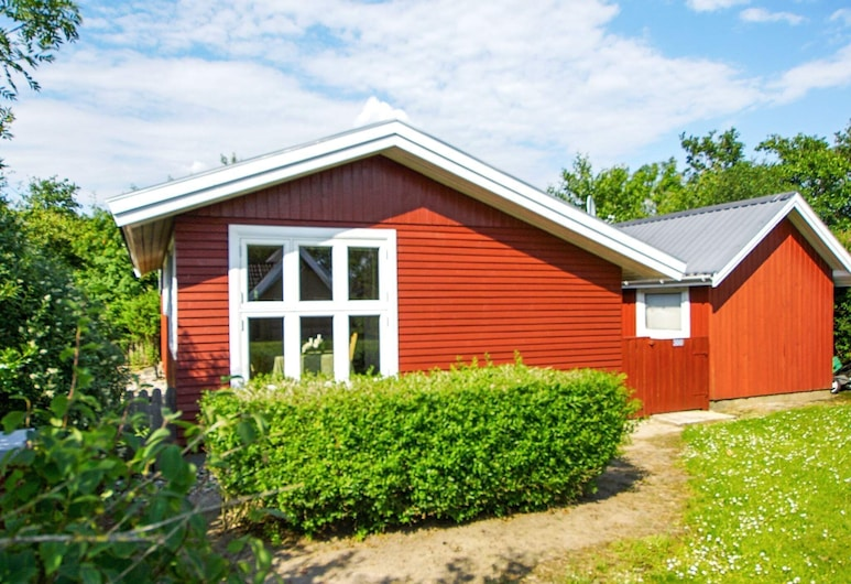 Serene Holiday Home in Jutland With Terrace, Хеммет