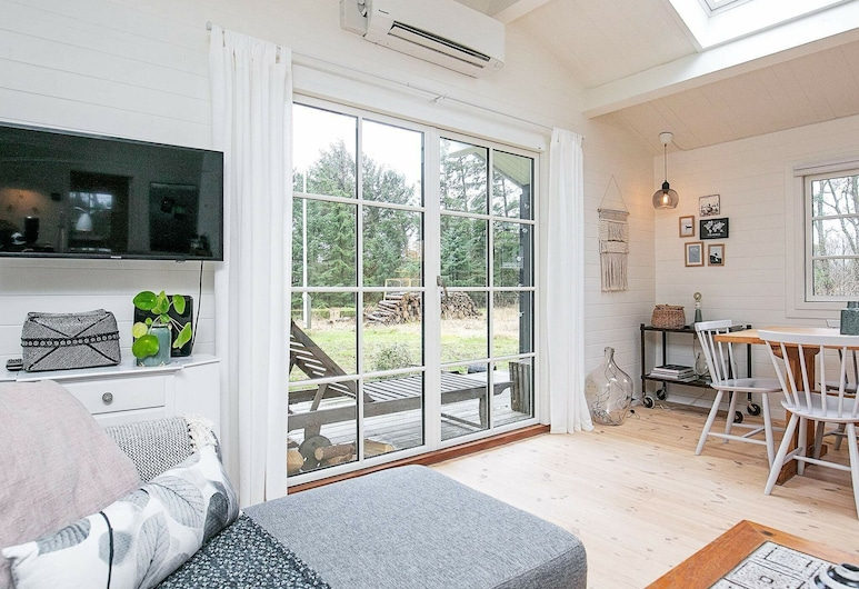 Gorgeous Holiday Home in Jutland With Terrace, Jerup, Room