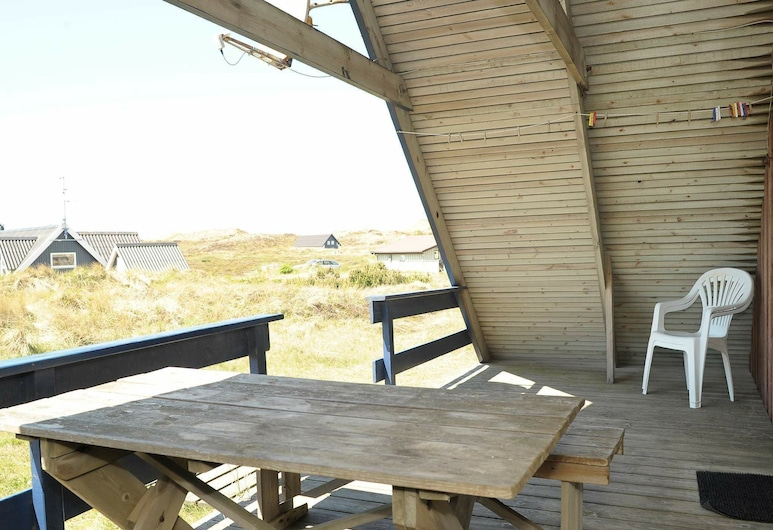 Comfortable Holiday Home With Roofed Terrace in Ringkøbing, Ringkobing, Balcony
