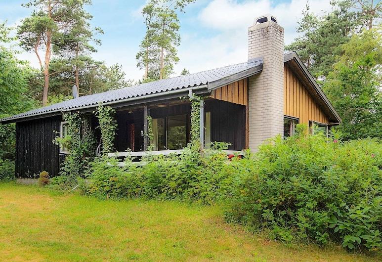 Charming Holiday Home in Ebeltoft Jutland With Garden, Ebeltoft, Exterior