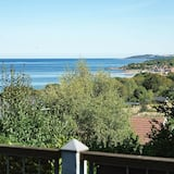 Chic Apartment in Bornholm With Terrace, Allinge