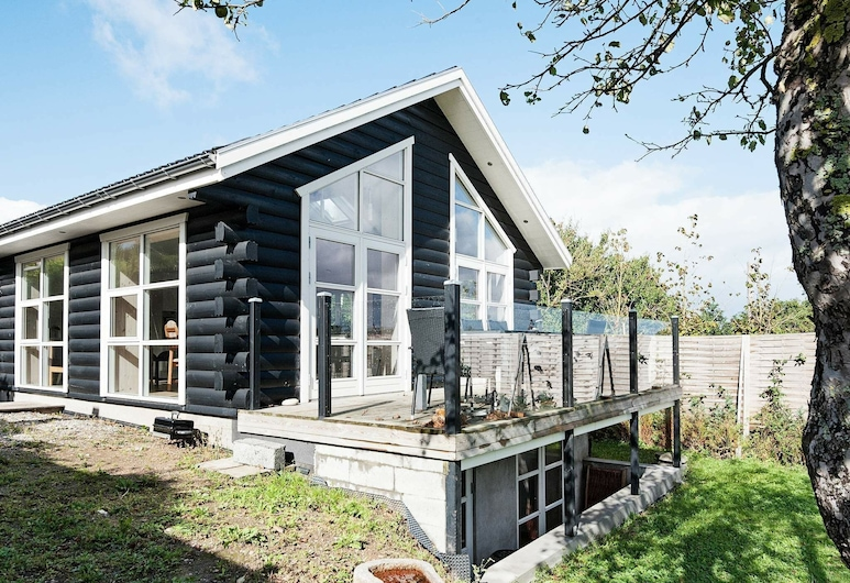 Beautiful Holiday Home in Børkop With Panoramic Sea View, Borkop