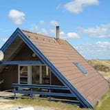 Cozy Holiday Home in Ringkøbing Near Sea Beach