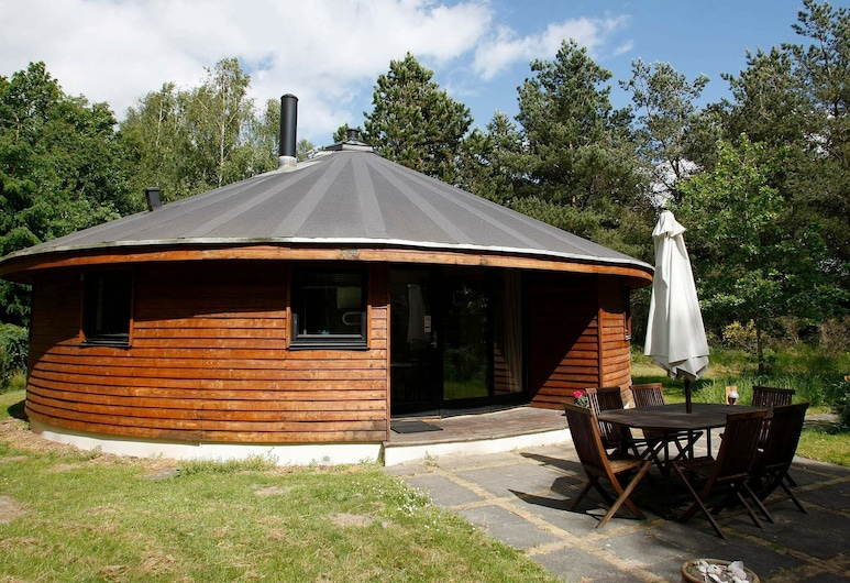Cosy Holiday Home in Hojslev With Sauna, هويسليف
