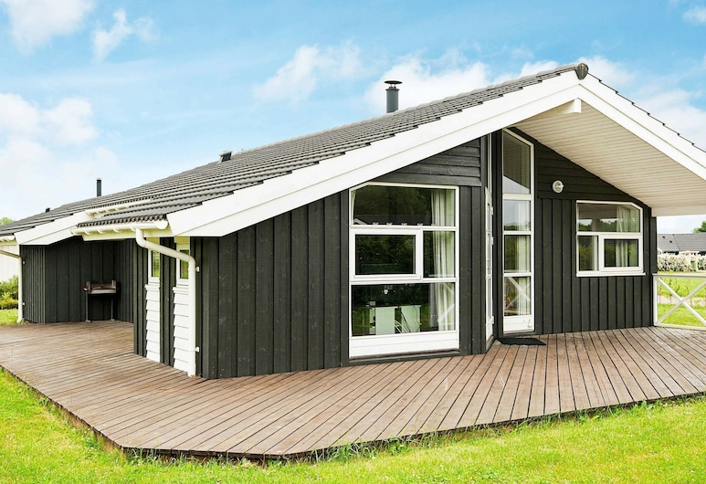 Beautiful Holiday Home Near Juelsminde With Sauna, Horsens