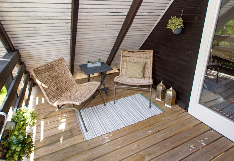 Spacious Holiday Home in Skjern With Roofed Terrace, Skjern, Balcón