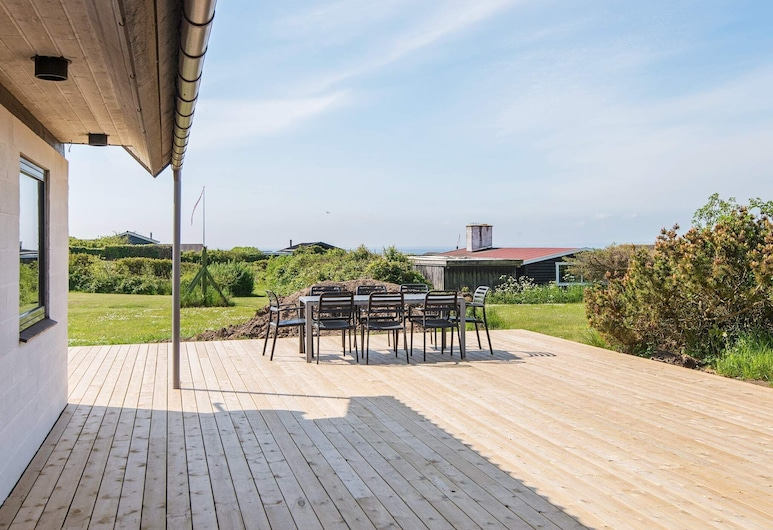 Charming Holiday Home in Knebel Near the Sea, Knebel, Balcony