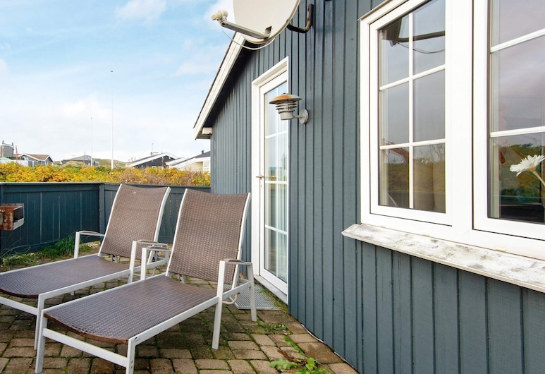 Modern Holiday Home in Søndervig With Terrace, Ringkobing, Balcony