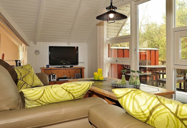 Peaceful Holiday Home in Norre Nebe Jutland With Garden, Norre Nebel, Obývačka